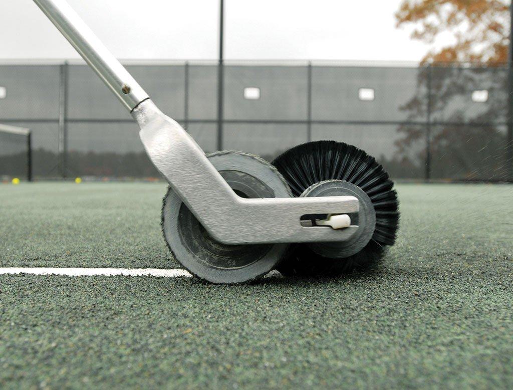 Ролик-щетка для очистки линий грунтовых кортов Line Master